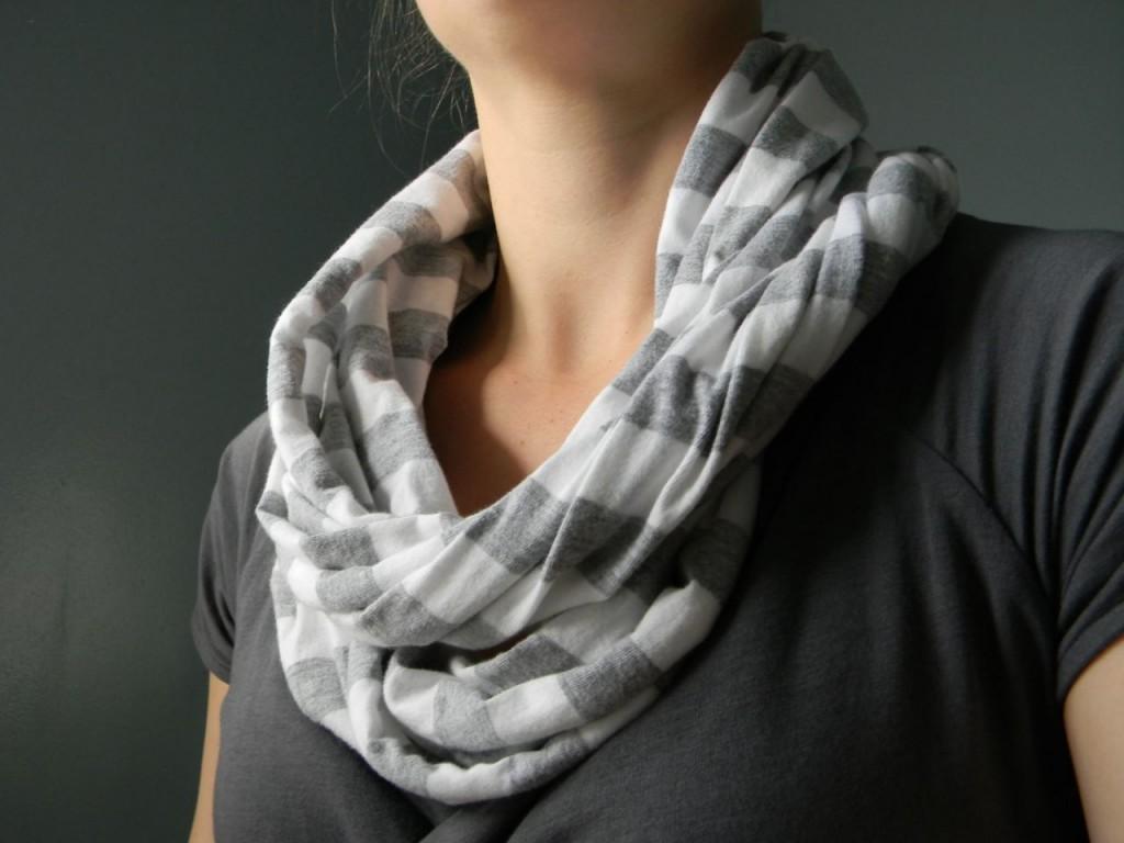 knit stripy scarf