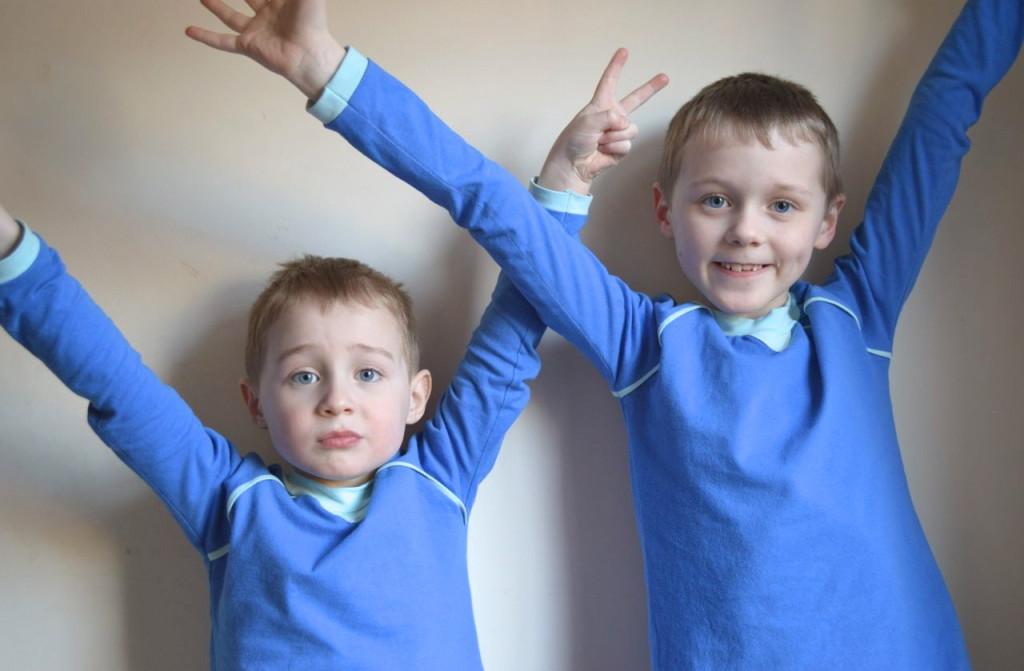boys in tees-the nixon pose