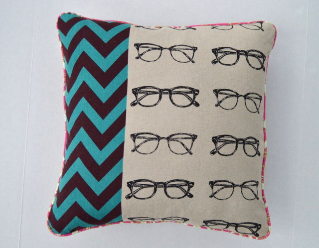 Super Awesome Eyeglasses pillow with pink piping! | made by a happy stitch