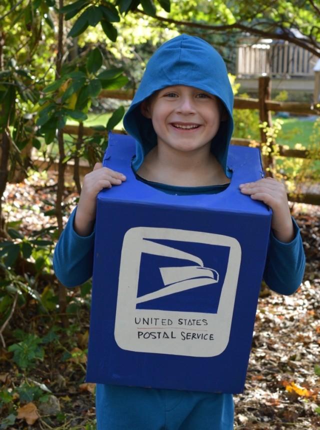 Mailbox Costumer : Unique Halloween Costume