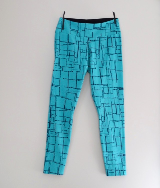 Sloan Leggings // a happy stitch