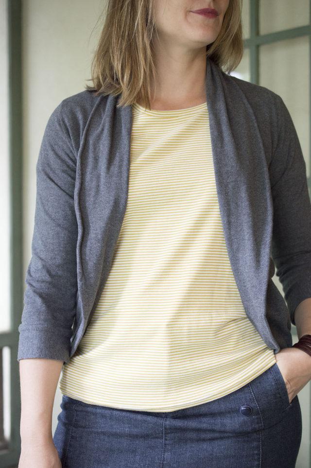 Julia Cardigan in Pepper Knit_a happy stitch