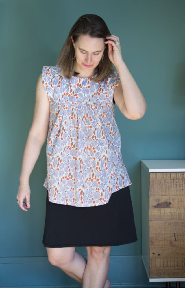 Alice Top in Batiste (Elizabeth Olwen fabric from Cloud 9 fabrics) :: A Happy Stitch