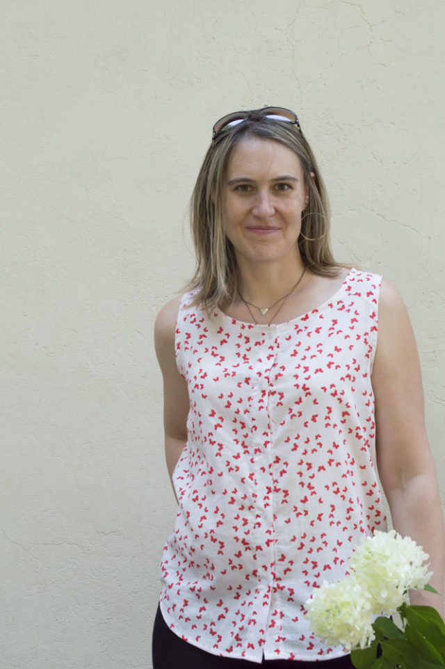 Breezy Button-Up Tank :: Weekend Style Sewing with Sew Caroline   a happy stitch