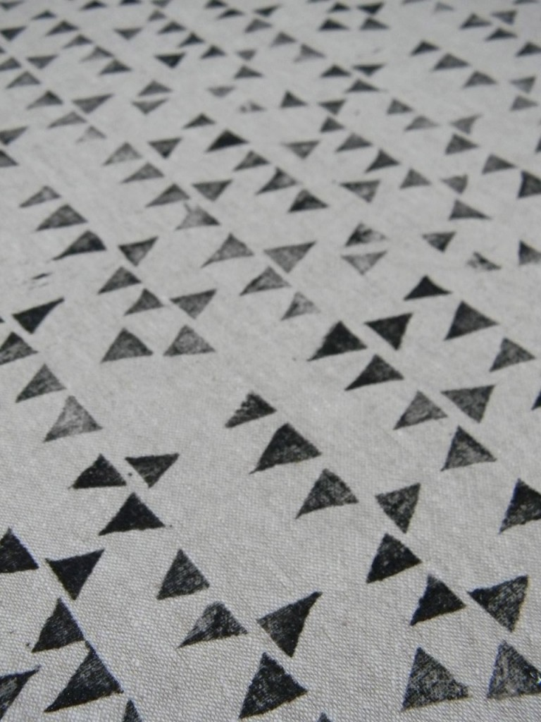 linen triangles
