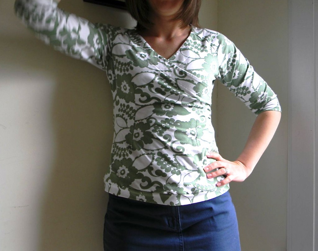 consign top