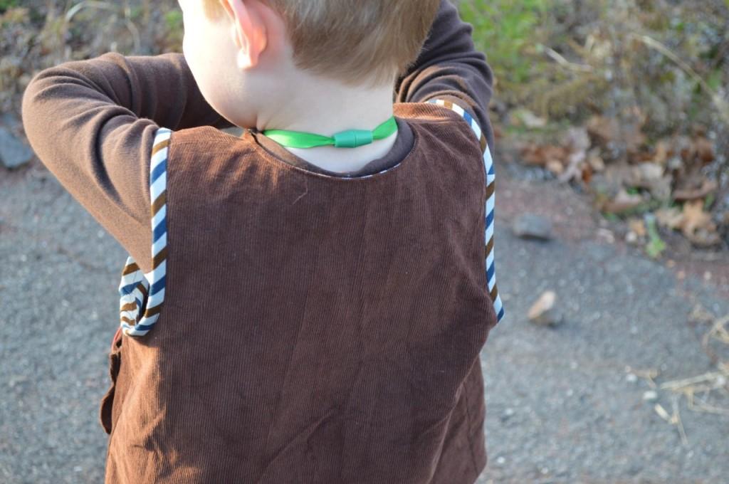 explorer vest back