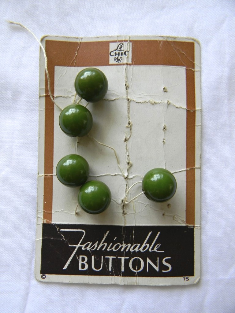 green bauble buttons