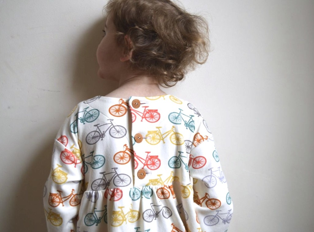 back of the playtime dress from Oliver + S