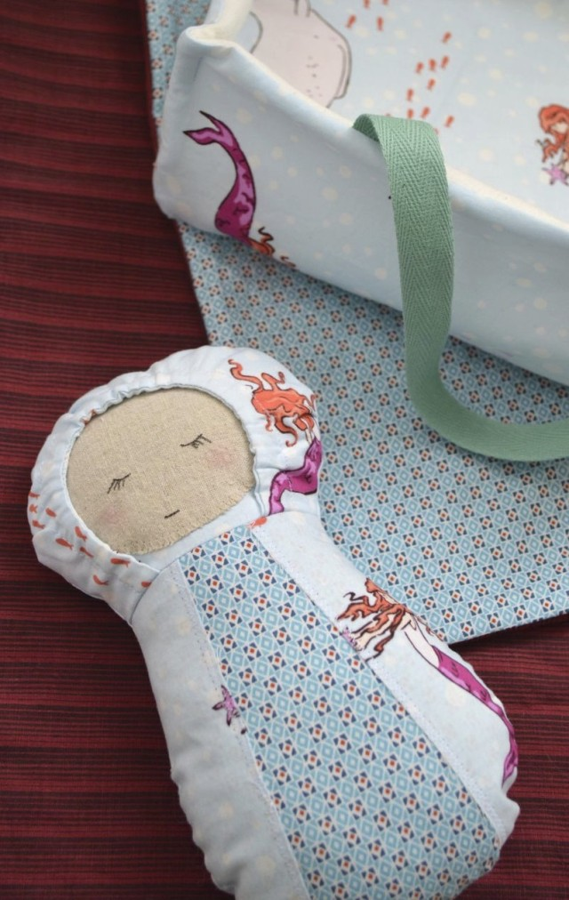 baby doll with carrier and blanket-pattern from Patchwork Posse sewn by a happy stitch