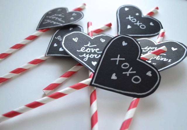 lovely smoothie sippers | easiest ever decorated straw for your valentine
