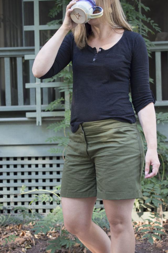 Handmade Summer Wardrobe Basics! Thurlow Shorts in Olive Twill -_-a-happy-stitch