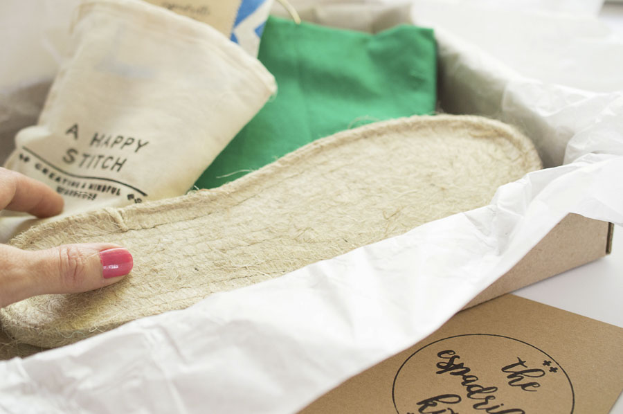 The Espadrilles Kit : Everything you need to make your own pair of shoes || A HAPPY STITCH