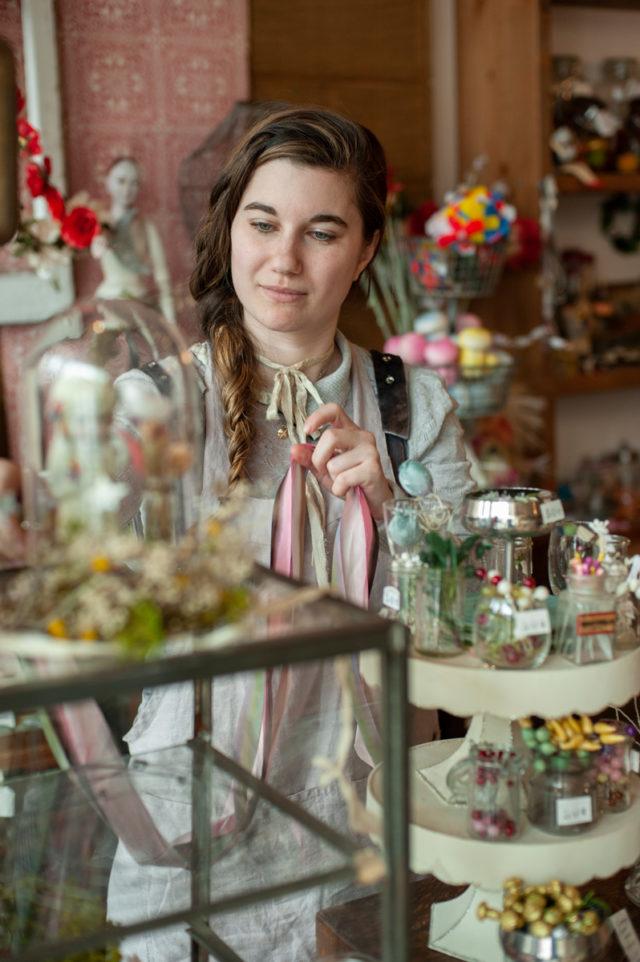 Emma Mierop - The Artist Series : Espadrilles + Art__ A HAPPY STITCH