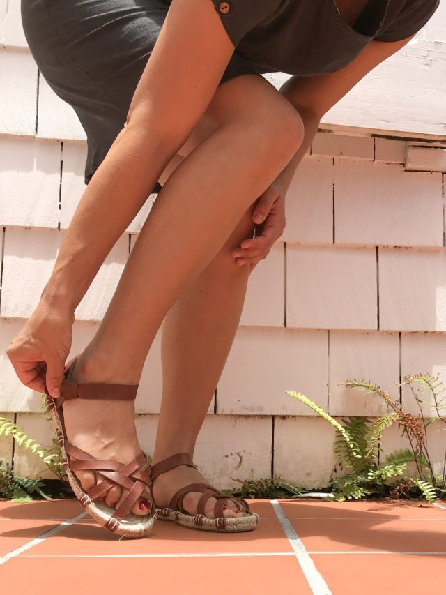 DIY Leather Espadrilles - The ESPADRILLES KIT - A HAPPY STITCH and Halfmoon Atelier - DIY Shoes _ Alpargatas
