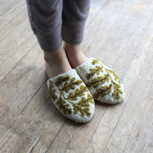 Punch Needle Espadrille Slippers from Arounna of Bookhou for A HAPPY STITCH_5